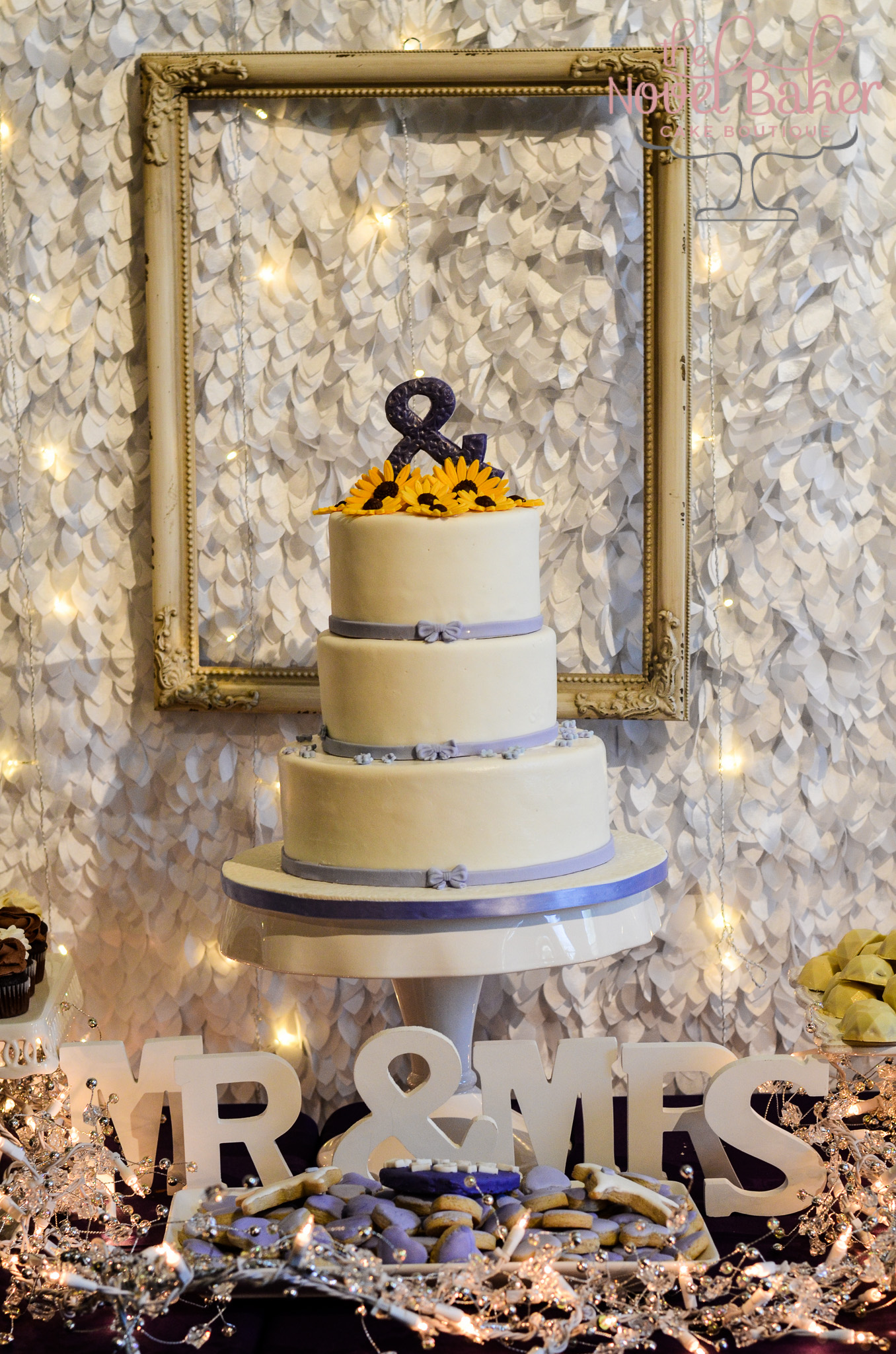 Picture Perfect Art Center Wedding Cake