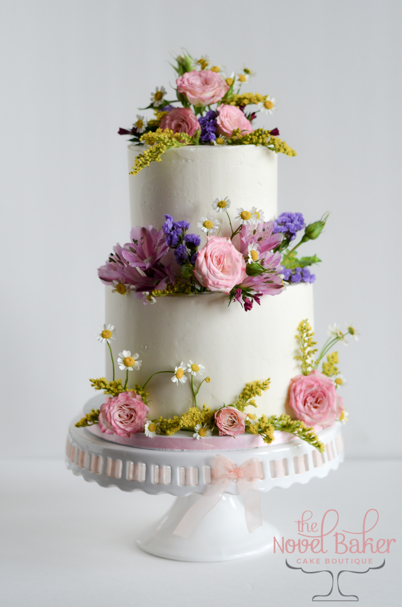 2-Tier Wedding Cake with spring flowers